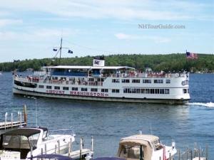 MS Mount Washington Cruise Ship on Lake Winnipesaukee